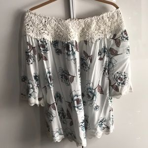 NWT Off the shoulder lace and floral blouse